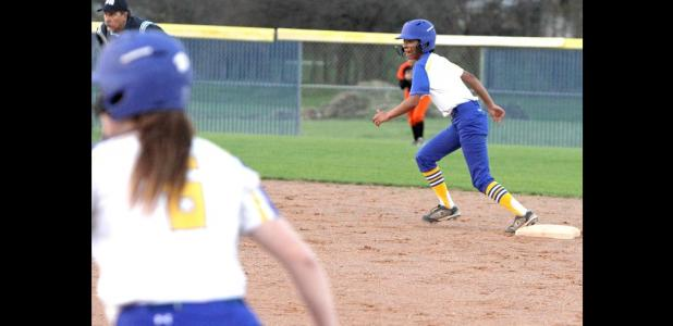 CCLP/TJ MAXWELL - Copperas Cove senior Peyton Choate (6) and Jackie Clay get ready to run during the Lady Dawgs' five-run second inning of their 13-3 win over SA Central on Tuesday.