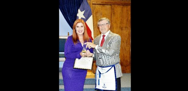 CCLP/LYNETTE SOWELL - Wendy Sledd received the Commnity Builder Award from Mt. Hiram Lodge No. 595 on Tuesday.
